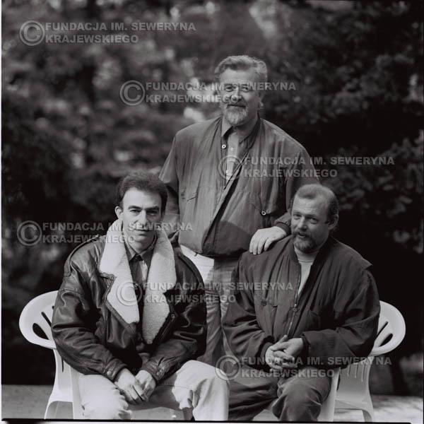 # 1085 - Czerwone Gitary w składzie: Seweryn Krajewski, Jerzy Skrzypczyk, Bernard Dornowski. 1991r. sesja zdjęciowa w Michalinie.