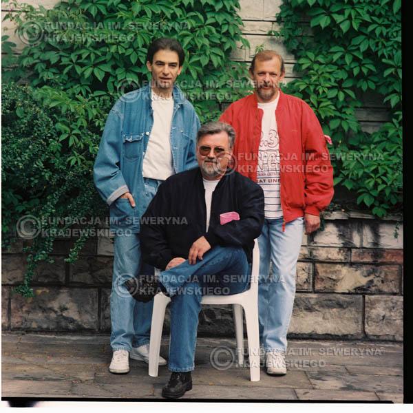 # 1191 - 1991r. sesja zdjęciowa w Michalinie, come back Czerwonych Gitar: Seweryn Krajewski, Bernard Dornowski, Jerzy Skrzypczyk.
