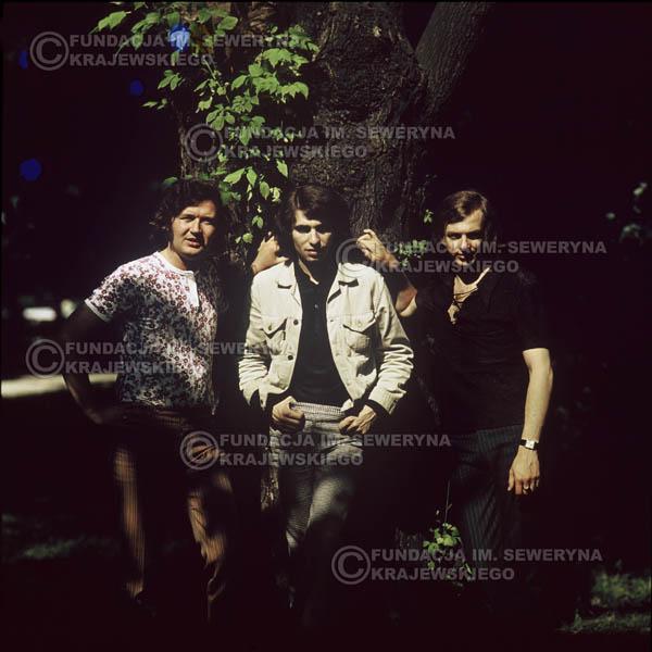 # 1211 - zespół Czerwone Gitary po odejściu Krzysztofa Klenczona, 1970r. Od lewej: Bernard Dornowski, Seweryn Krajewski, Jerzy Skrzypczyk.