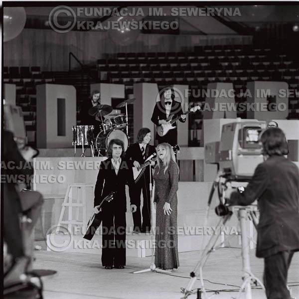 # 1262 - Seweryn Krajewski I Eva Pilarova - – 1975r. TV Katowice, program telewizyjny 'Studio Rondo' realizowany w katowickim Pałacu Młodzieży.
