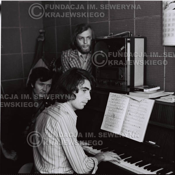 # 1312 - Seweryn Krajewski, Bernard Dornowski, Jerzy Skrzypczyk – 1974r. w małym domowym studio w mieszkaniu Seweryna Krajewskiego w Sopocie.