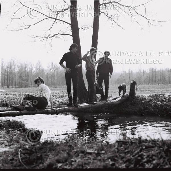 # 137 - 1967r. Czerwone Gitary na łonie natury pod Warszawą
