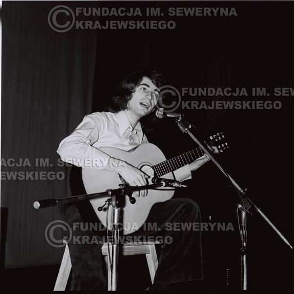 # 1440 - 1973r. koncert Czerwonych Gitar w Poznaniu w składzie: Bernard Dornowski, Seweryn Krajewski, Jerzy Skrzypczyk.