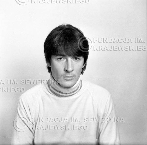 # 152 - 1967r. - Krzysztof Klenczon sesja do trzeciego albumu pt: 'Czerwone Gitary 3'