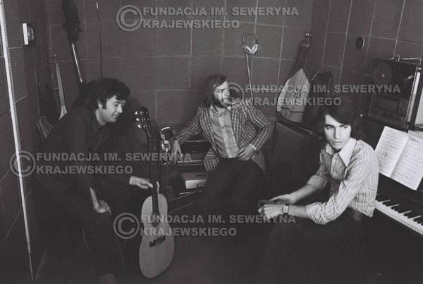 # 1548 - Seweryn Krajewski, Bernard Dornowski, Jerzy Skrzypczyk – 1974r. w małym domowym studio w mieszkaniu Seweryna Krajewskiego w Sopocie.