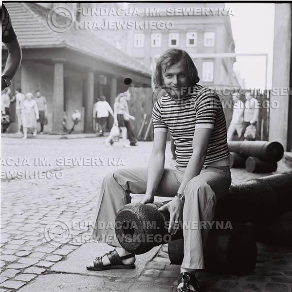 # 1610 - Jerzy Skrzypczyk na armacie, Poznań 1973r.