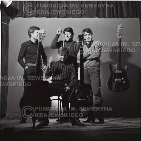 # 218 - Sesja zdjęciowa do okładki płyty pt: 'Czerwone Gitary 2' 1966r.