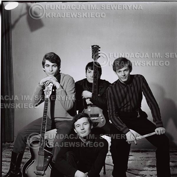 # 226 - Sesja zdjęciowa do okładki płyty pt: 'Czerwone Gitary 2' 1966r.
