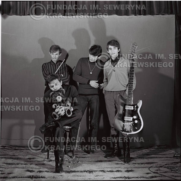 # 234 - Sesja zdjęciowa do okładki płyty pt: 'Czerwone Gitary 2' 1966r.