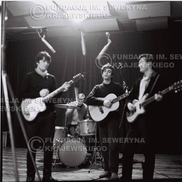# 256 - 1967r. Czerwone Gitary próba mikrofonu klub 'Ster' w Gdańsku-Wrzeszczu