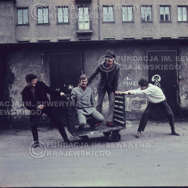 # 372 - Czerwone Gitary, Łódź, sesja zdjęciowa do płyty pt: 'Czerwone Gitary 3' 1967r