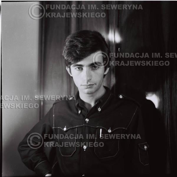 # 386 - Seweryn Krajewski, 1967r. sesja w Sopocie (zdjęcia dla fanów do autografów)