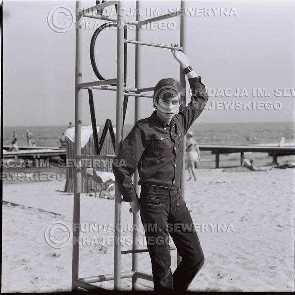 # 387 - Seweryn Krajewski, 1967r. sesja w Sopocie (zdjęcia dla fanów do autografów)