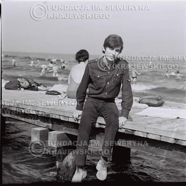 # 389 - Seweryn Krajewski, 1967r. sesja w Sopocie (zdjęcia dla fanów do autografów)