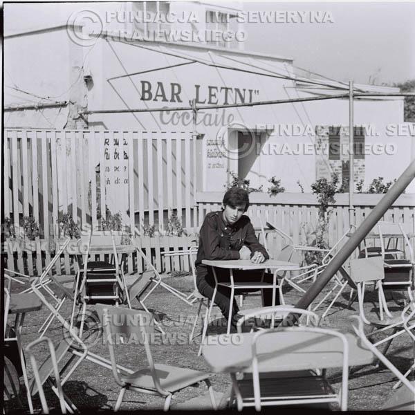 # 392 - Seweryn Krajewski, 1967r. sesja w Sopocie (zdjęcia dla fanów do autografów)