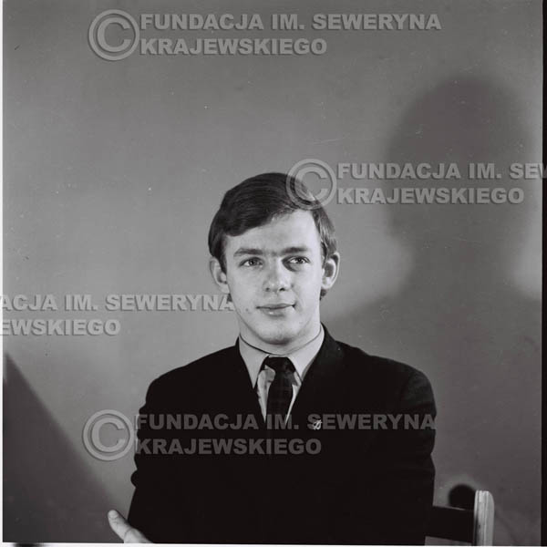 # 422 - Jerzy Skrzypczyk, sesja zdjęciowa do płyty pt: 'Czerwone Gitary 3', 1967r.