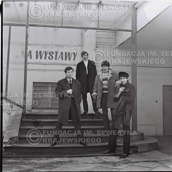 # 434 - Czerwone Gitary, 1967r. sesja w Sopocie (zdjęcia dla fanów do autografów)