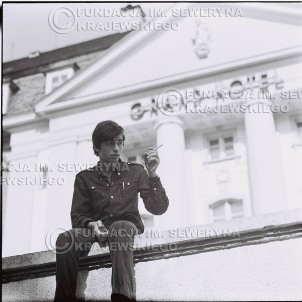 # 446 - Seweryn Krajewski, 1967r. sesja w Sopocie (zdjęcia dla fanów do autografów)
