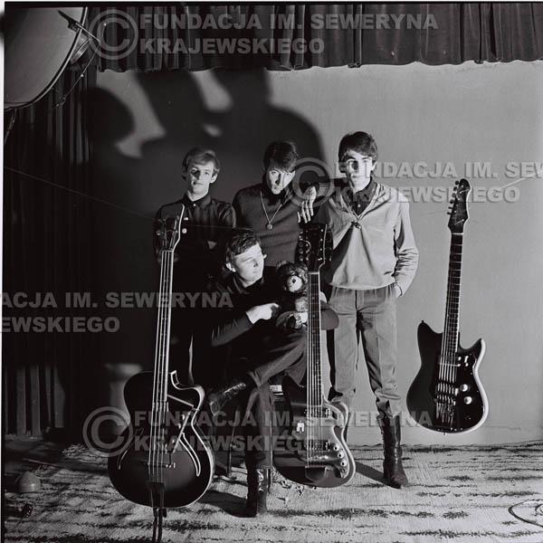 # 461 - Sesja zdjęciowa do okladki płyty pt: 'Czerwone Gitary 2' 1966r.
