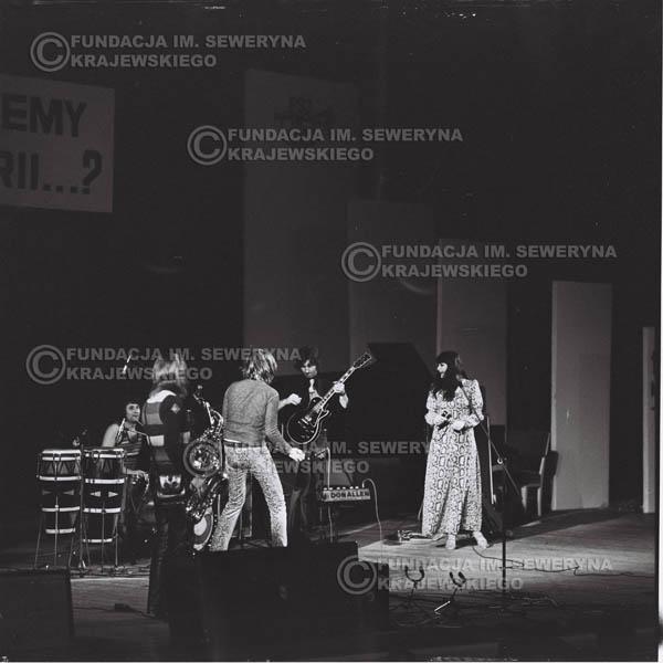 # 474 - Trasa koncertowa na dziesięciolecie Niebiesko - Czarnych, a jednocześnie ostatnia trasa koncertowa Krzysztofa Klenczona przed wyjazdem do USA pod hasłem 'Nie Przejdziemy do Historii'.1971r.