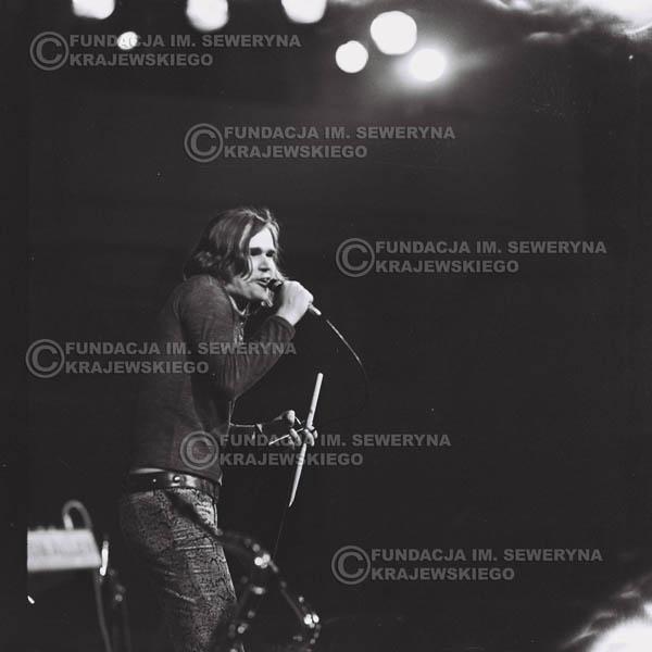 # 482 - Trasa koncertowa na dziesięciolecie Niebiesko - Czarnych, a jednocześnie ostatnia trasa koncertowa Krzysztofa Klenczona przed wyjazdem do USA pod hasłem 'Nie Przejdziemy do Historii'.1971r.