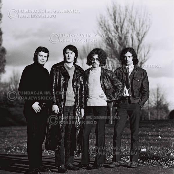 # 494 - 'Trzy Korony' 1970r. W składzie: od lewej: Ryszard Klenczon , Krzysztof Klenczon, Grzegorz Andrian i Piotr Stajkowski