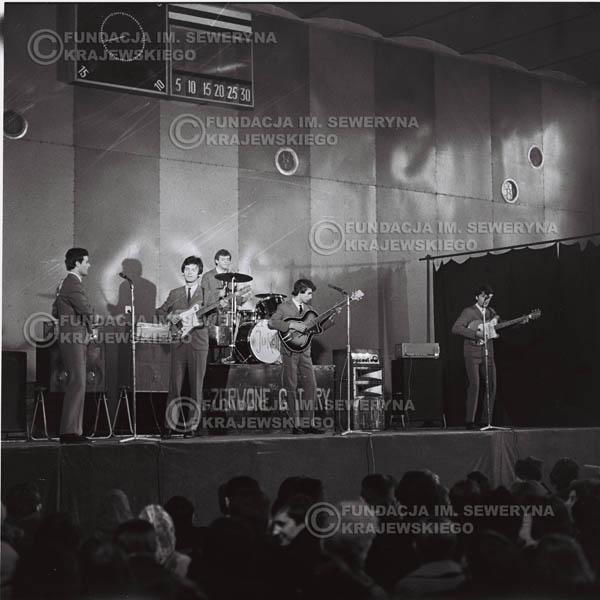 # 535 - Koncert 'Czerwone Gitarty', hala Stoczni Gdańskiej, 1966r.