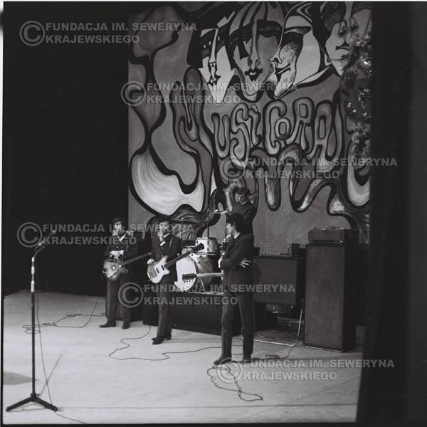# 542 - 1968r kwiecień,  Musicorama (powstała z inicjatywy Franciszka Walickiego) Sala Kongresowa w Pałacu Kultury i Nauki w Warszawie - 'Czerwone Gitary'.