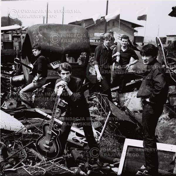 # 603 - 1966r. Czerwone Gitary, Łódź.  Zdjęcie z sesji do okładki pierwszego longpleya pod tytułem  'To Wlasnie My'.