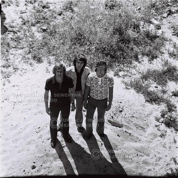 # 704 - 1970r. Czerwone Gitary w składzie: Seweryn Krajewski, Bernard Dornowski, Jerzy Skrzypczyk.