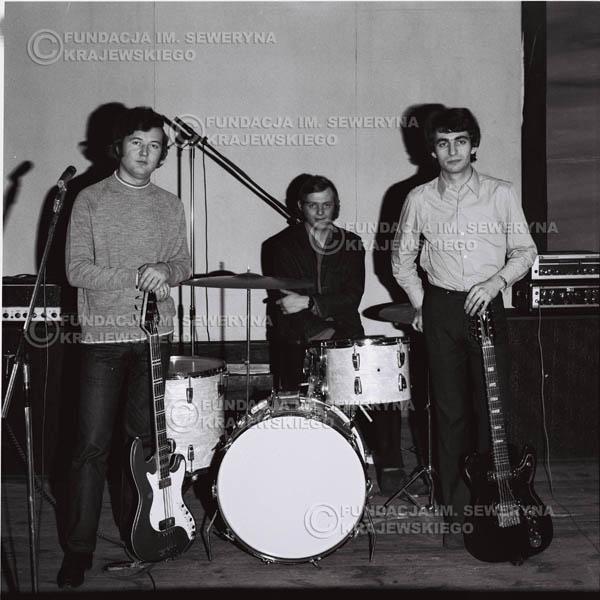# 733 - Czerwone Gitary 1970r. w składzie: Seweryn Krajewski, Jerzy Skrzypczyk i Bernard Dornowski