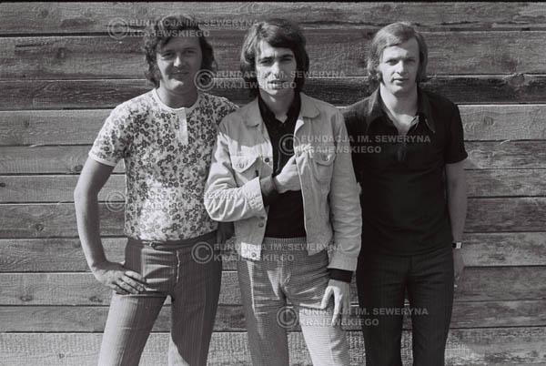 # 755 - 1970r. Warszawa, Czerwone Gitary w składzie: Seweryn Krajewski, Bernard Dornowski, Jerzy Skrzypczyk