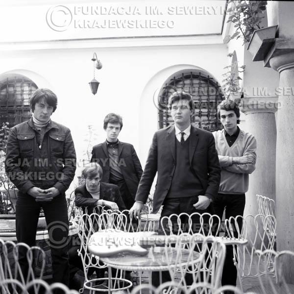 # 77 - Czerwone Gitary 1966r. Od lewej Krzysztof Klenczon, Jerzy Skrzypczyk, Jerzy Kossela,