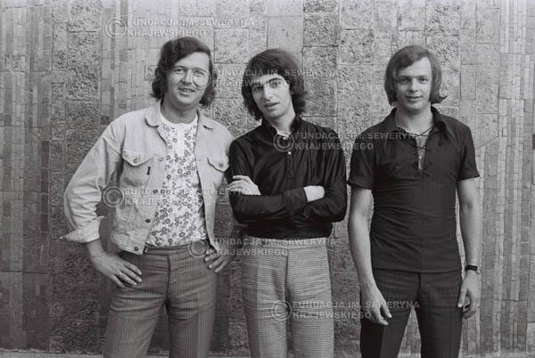 # 799 - 1970r. Warszawa, Czerwone Gitary w składzie: Seweryn Krajewski, Bernard Dornowski, Jerzy Skrzypczyk