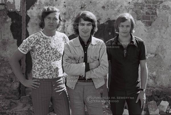 # 817 - 1970r. Warszawa, Czerwone Gitary w składzie: Seweryn Krajewski, Bernard Dornowski, Jerzy Skrzypczyk