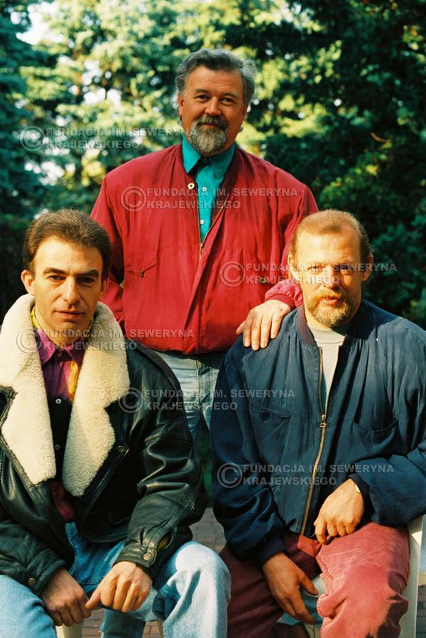 # 911 - Czerwone Gitary w składzie: Jerzy Skrzypczyk, Seweryn Krajewski, Bernard Dornowski. 1991r., sesja zdjęciowa w Michalinie.