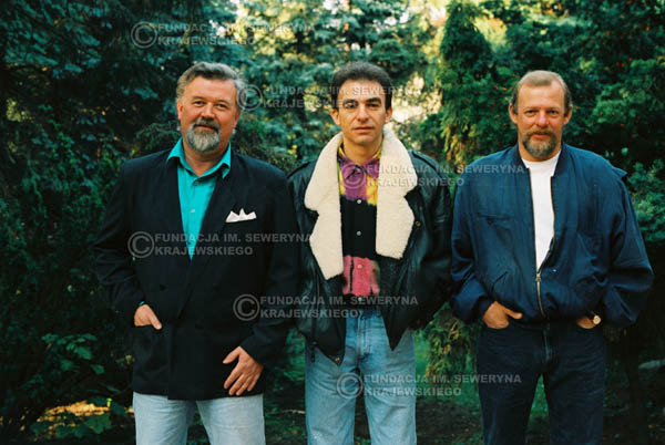 # 914 - Czerwone Gitary w składzie: Jerzy Skrzypczyk, Seweryn Krajewski, Bernard Dornowski. 1991r., sesja zdjęciowa w Michalinie.