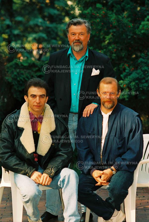 # 928 - 1991r. sesja zdjęciowa w Michalinie, Czerwone Gitary w składzie: Seweryn Krajewski, Bernard Dornowski, Jerzy Skrzypczyk