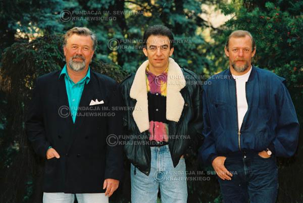 # 929 - 1991r. sesja zdjęciowa w Michalinie, Czerwone Gitary w składzie: Seweryn Krajewski, Bernard Dornowski, Jerzy Skrzypczyk