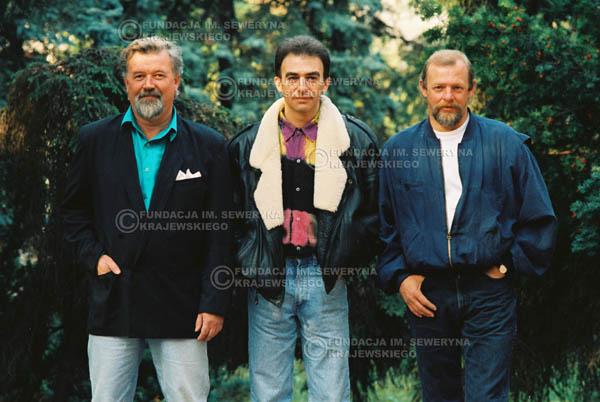 # 931 - 1991r. sesja zdjęciowa w Michalinie, Czerwone Gitary w składzie: Seweryn Krajewski, Bernard Dornowski, Jerzy Skrzypczyk