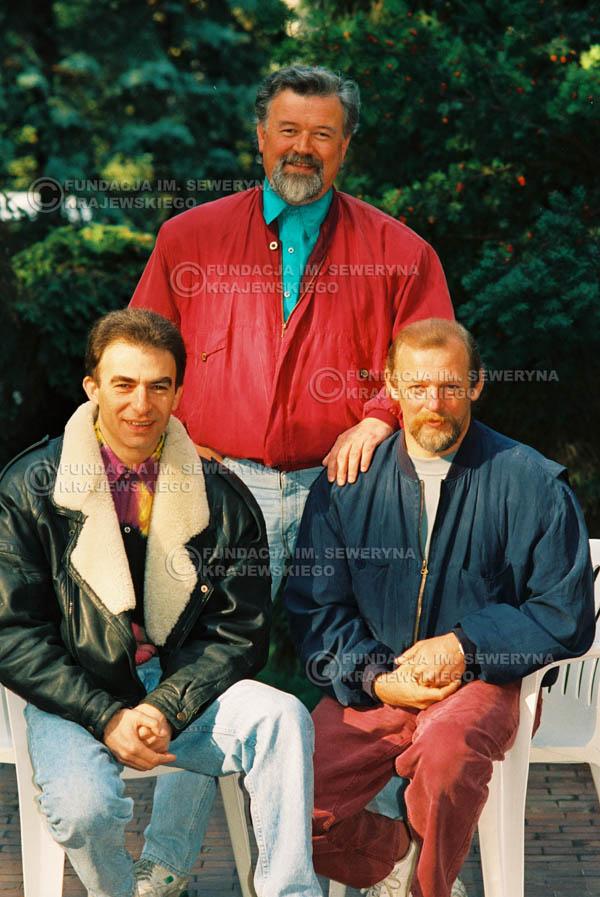 # 935 - 1991r. sesja zdjęciowa w Michalinie, Czerwone Gitary w składzie: Seweryn Krajewski, Bernard Dornowski, Jerzy Skrzypczyk