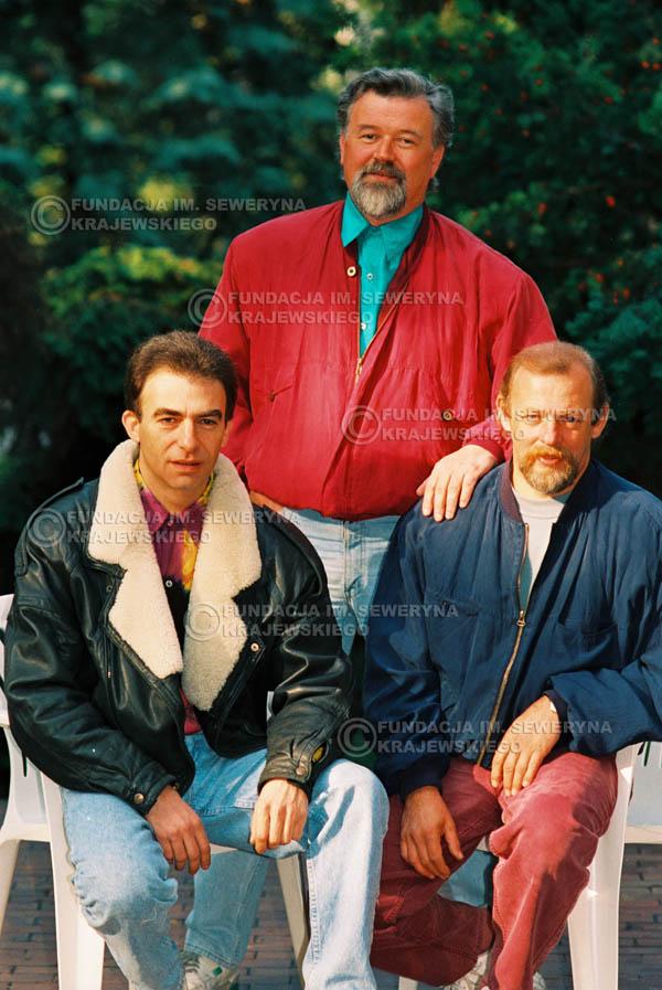 # 937 - 1991r. sesja zdjęciowa w Michalinie, Czerwone Gitary w składzie: Seweryn Krajewski, Bernard Dornowski, Jerzy Skrzypczyk