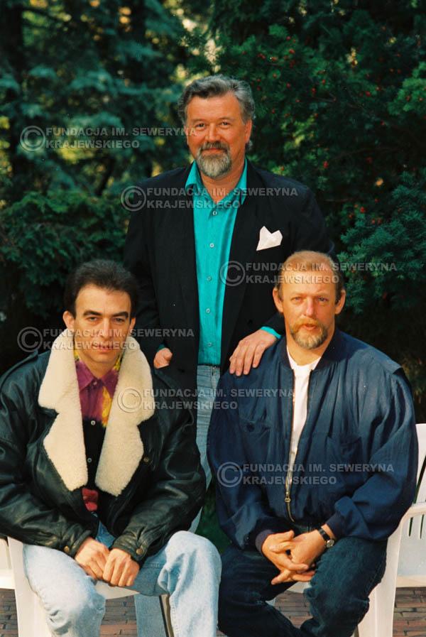 # 938 - 1991r. sesja zdjęciowa w Michalinie, Czerwone Gitary w składzie: Seweryn Krajewski, Bernard Dornowski, Jerzy Skrzypczyk
