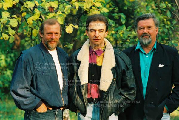 # 946 - 1991r. sesja zdjęciowa w Michalinie, Czerwone Gitary w składzie: Seweryn Krajewski, Jerzy Skrzypczyk, Bernard Dornowski.