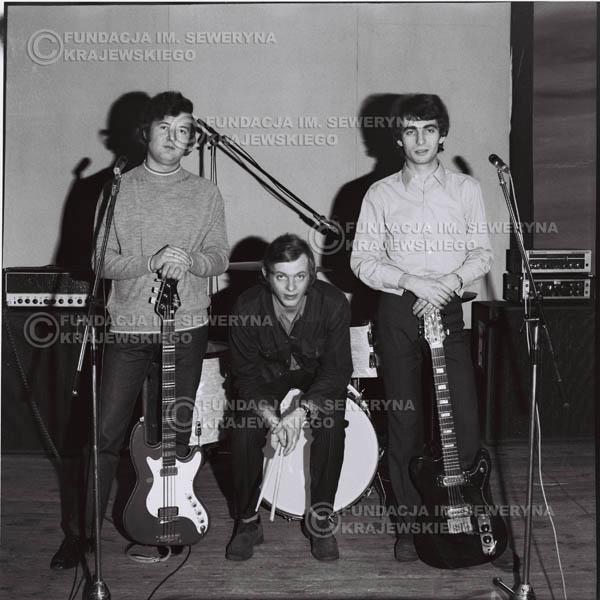 # 965 - 1970r. Czerwone Gitary w składzie: Seweryn Krajewski, Jerzy Skrzypczyk, Bernard Dornowski