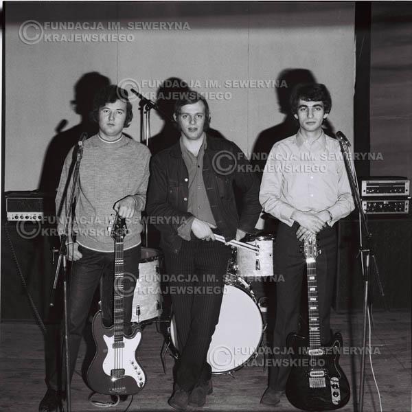 # 967 - 1970r. Czerwone Gitary w składzie: Seweryn Krajewski, Jerzy Skrzypczyk, Bernard Dornowski