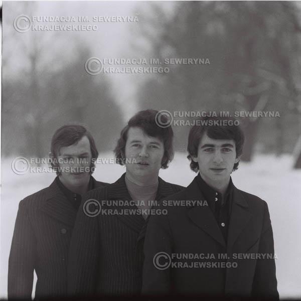 # 995 - zima 1970r. Czerwone Gitary w składzie: Seweryn Krajewski, Bernard Dornowski, Jerzy Skrzypczyk.
